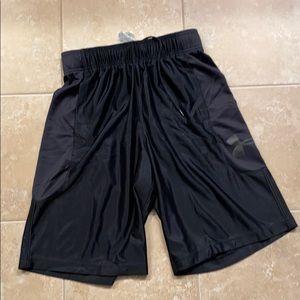 Under Armor Blk Perimeter 11 in Shorts